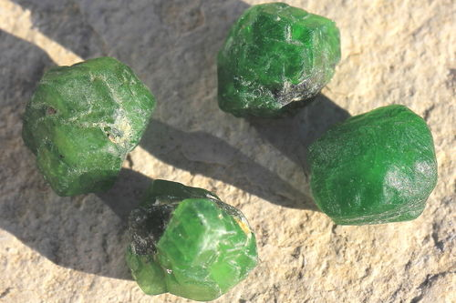 Demantoid Kristall 04